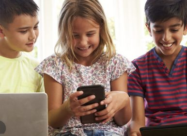 Blog: Top tips to manage your child's screen time these holidays